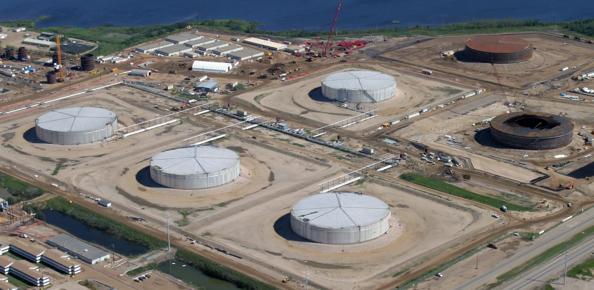 288' x 48' High, API 650 Column Supported Cone Roof Hot (400°F) Bitumen Storage Tanks